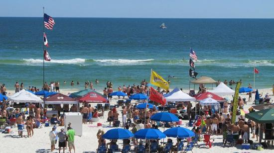 Orange Beach, Αλαμπάμα: Mullet Toss, FloraBama, April 29, 2011