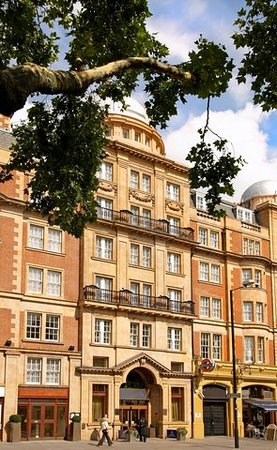 Hilton London Hyde Park: Exterior hotel