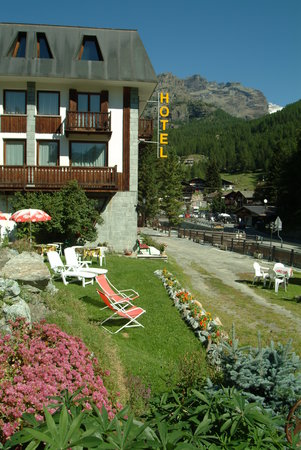 Photo of Hotel Genzianella Champoluc