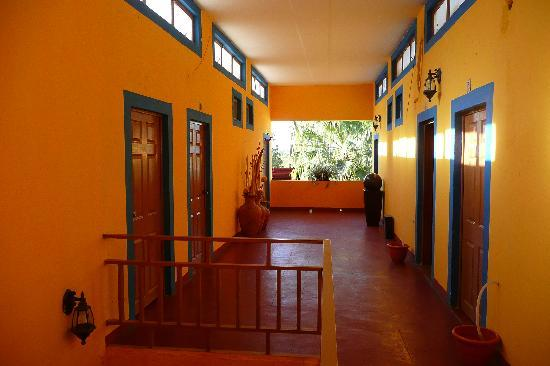 Hotel Cielito Lindo: Entrance of tho rooms