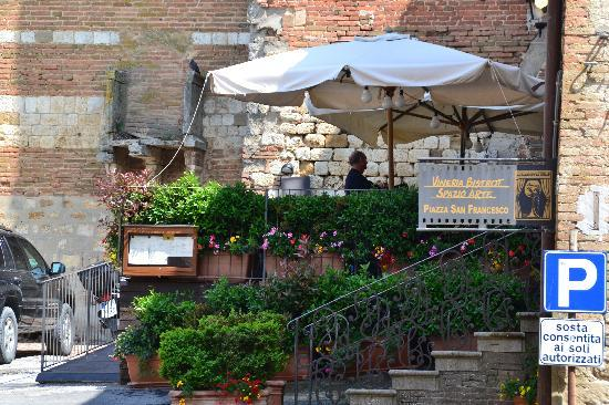Camere Bellavista: Bistro to have a coffee to wait