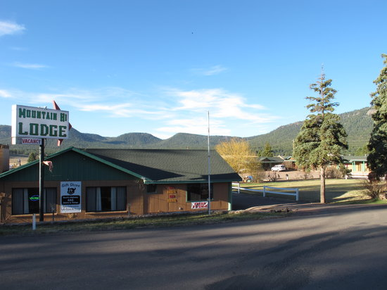 Mountain Hi Lodge