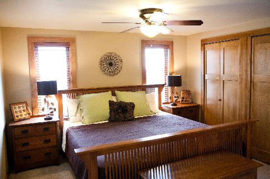 Token Creek Eco-Inn: Capitol Room