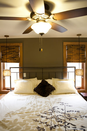 Token Creek Eco-Inn: Springs Room