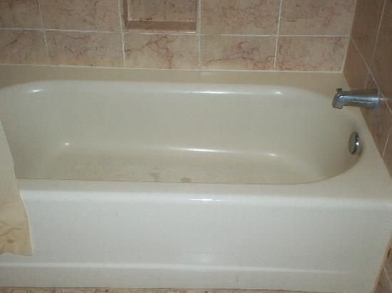Coushatta Grand Hotel: Roomy bathtub