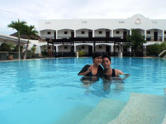 Panglao Regents Park Resort: the lovely pool :)