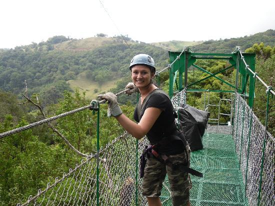 Monteverde Backpackers: Extremo zip line canopy tour