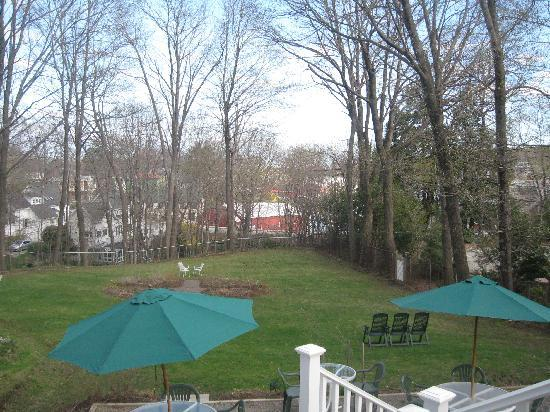 Hawthorn Inn: View from the deck