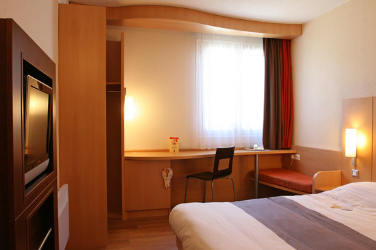 Htel Ibis Pontarlier