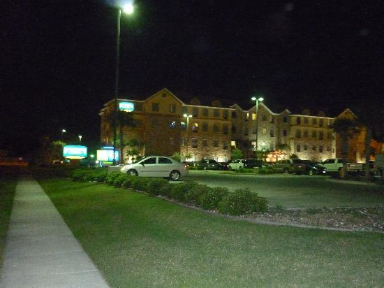 Staybridge Suites Corpus Christi: carpark