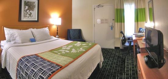 Fairfield Inn Scottsdale North: Great rooms, Great staff, one of the reasonable hotels in Scottsdale!