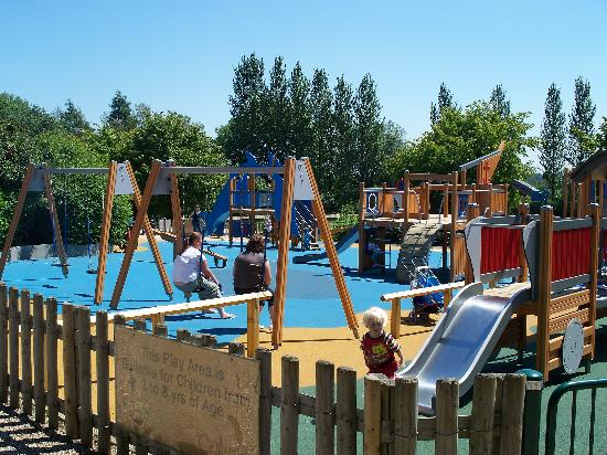 Withy Pool Picture Of Telford Town Park Telford Tripadvisor