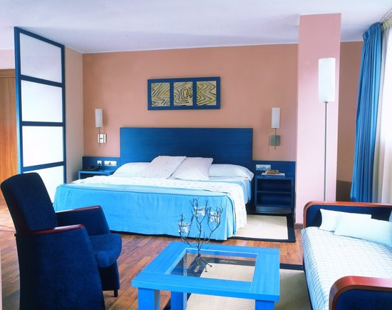 Hotel Acta Arthotel: Dormitorio Acta Arthotel: arthotel@actahotels.com Tel. (+376) 76 03 03