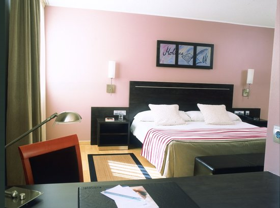 Hotel Acta Arthotel: Habitacion Acta Arthotel: arthotel@actahotels.com Tel. (+376) 76 03 03