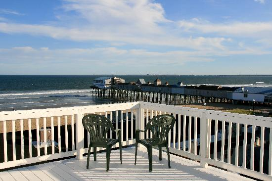 Richard&#39;s By The Sea: Top Deck-Pier