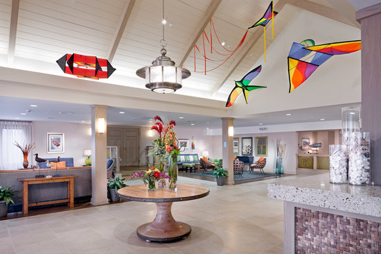 Sea Crest Beach Hotel: Newly Renovated Hotel Lobby