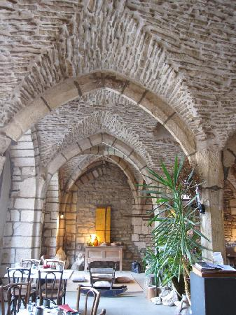 Vzelay, France : Breakfast in the cafe 