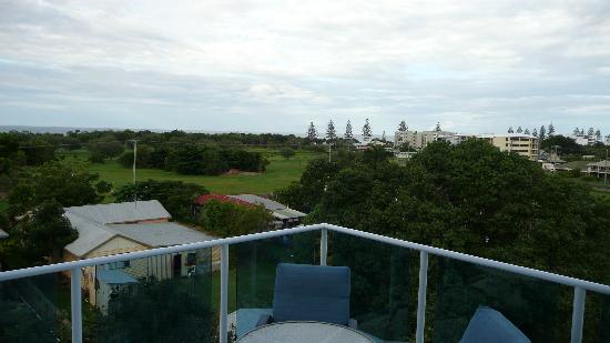 Koola Beach Apartments Bargara: Balcony View 2