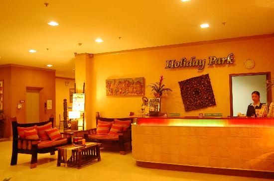 Holiday Park Hotel: The Reception Area