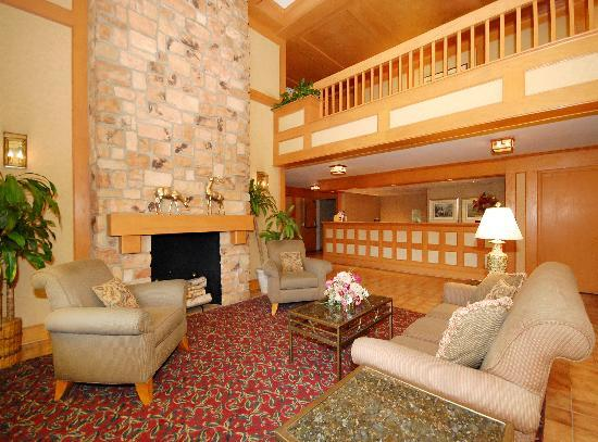 BEST WESTERN PLUS Murray Hill Inn & Suites: Hotel lobby