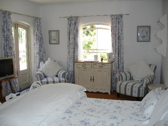 Constantia Valley Lodge: Guestroom 2