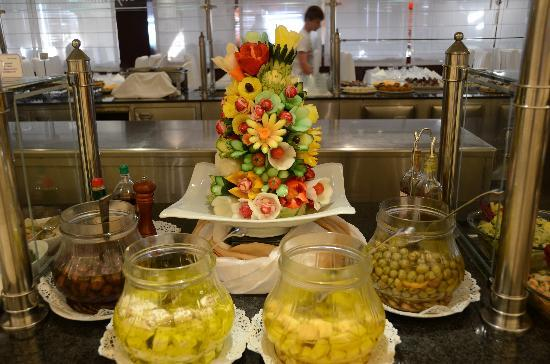 Mitsis Grand Hotel: Part of buffet and decoration