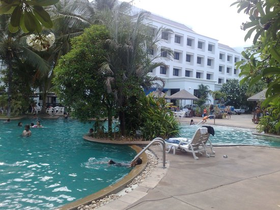 Petcharat Garden Hotel