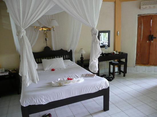 Melati Cottages: The room