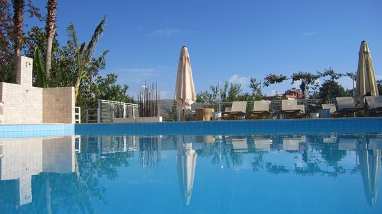 Photo of Hotel Pataros Gelemis