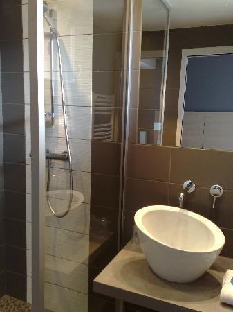 Douche italienne picture of inter hotel marytel montbrison tripadvisor for Photo douche italienne