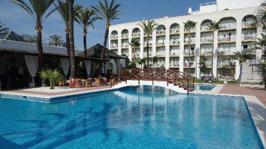 Meliá Marbella Banus: pool view rooms