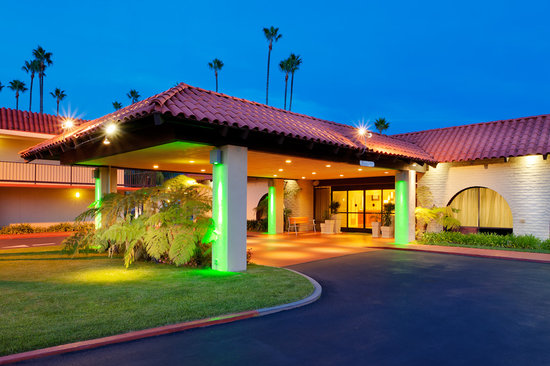 Holiday Inn Santa Barbara - Goleta: Entrance