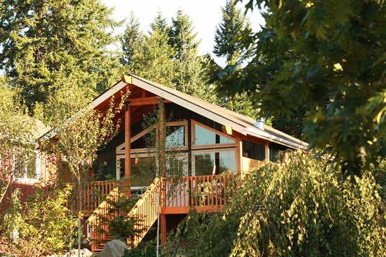 Carson Ridge Private Luxury Cabins: The Mt St Helens Cabin