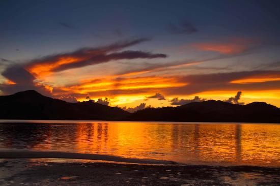 Turtle Island Resort: Sunset to Die for