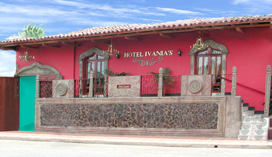 Hotel Ivania's