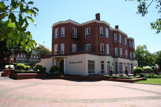 Redlands Hotel and Lodge