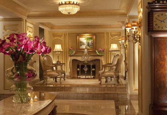 The Towers of the Waldorf Astoria: Lobby