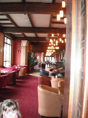Mount Errigal Hotel: Bar