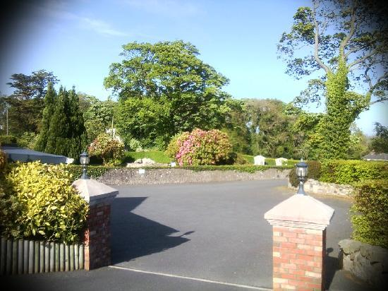 Newcastle Country Cottages: Rockmount House Garden
