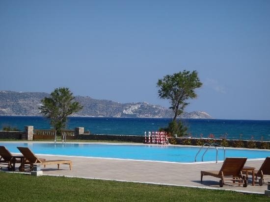 Candia Maris Resort & Spa Crete: Bungalow Guests only pool