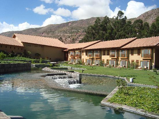 http://media-cdn.tripadvisor.com/media/photo-s/01/df/df/9d/tambo-del-inka-a-luxury.jpg