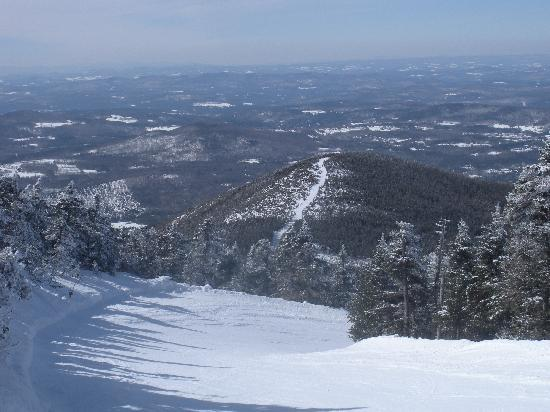 Mittersill Alpine Resort: View from top of Cannon Mt. of Taft Trail leading over to Mittersill