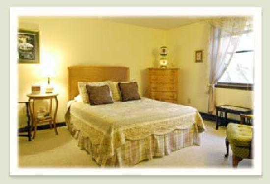 Geyser Lodge Bed & Breakfast: Guest room