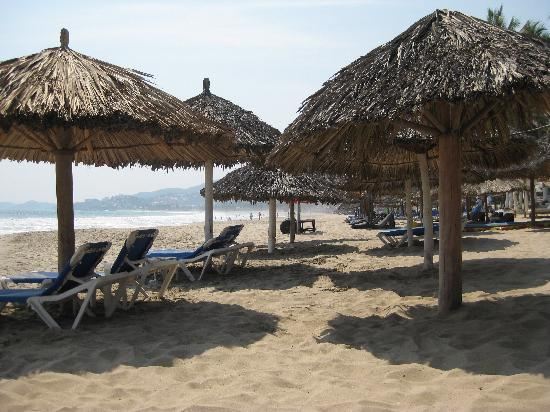 Inter-Continental Presidente Ixtapa: Choose a palapa