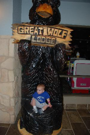 Great Wolf Lodge: outside arcade