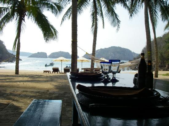 Careyes, เม็กซิโก: Catered lunch for 2 on your private beach