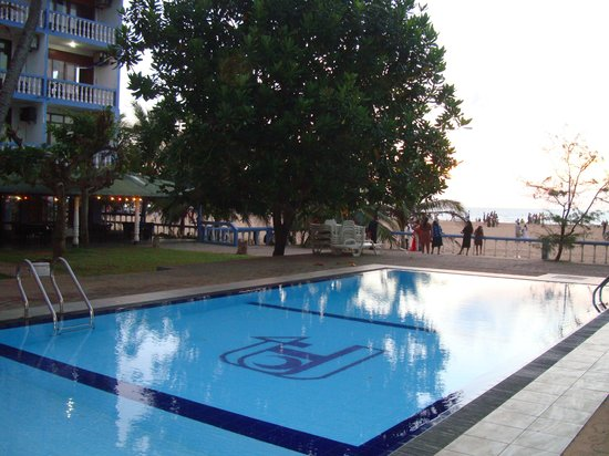 Topaz Beach Hotel