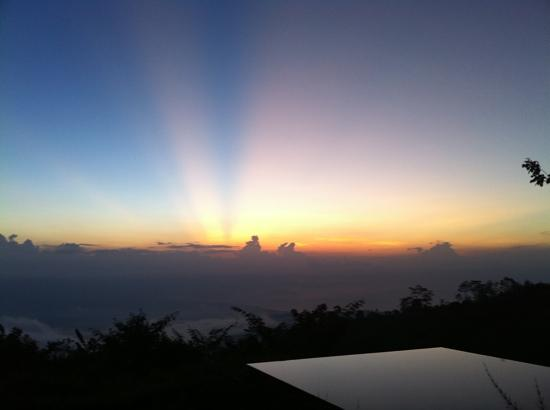 Gobleg, Indonesië: Sunset Rays