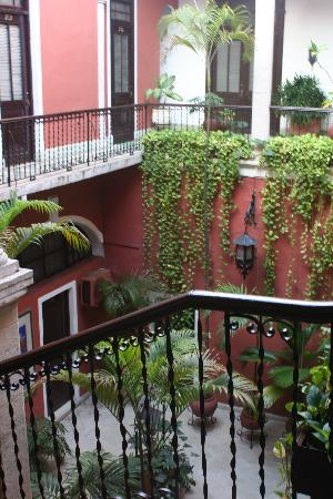 Hotel Reforma: Main patio