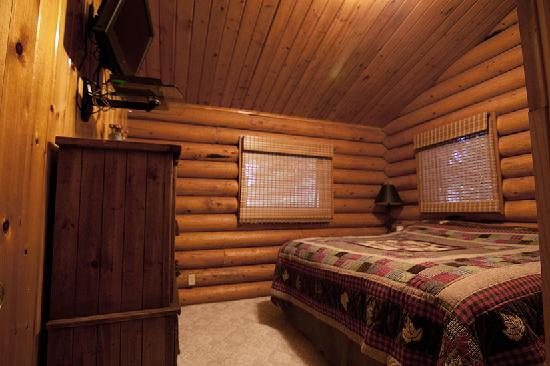 Alaska Serenity Lodge: 1st Upstairs Bedroom